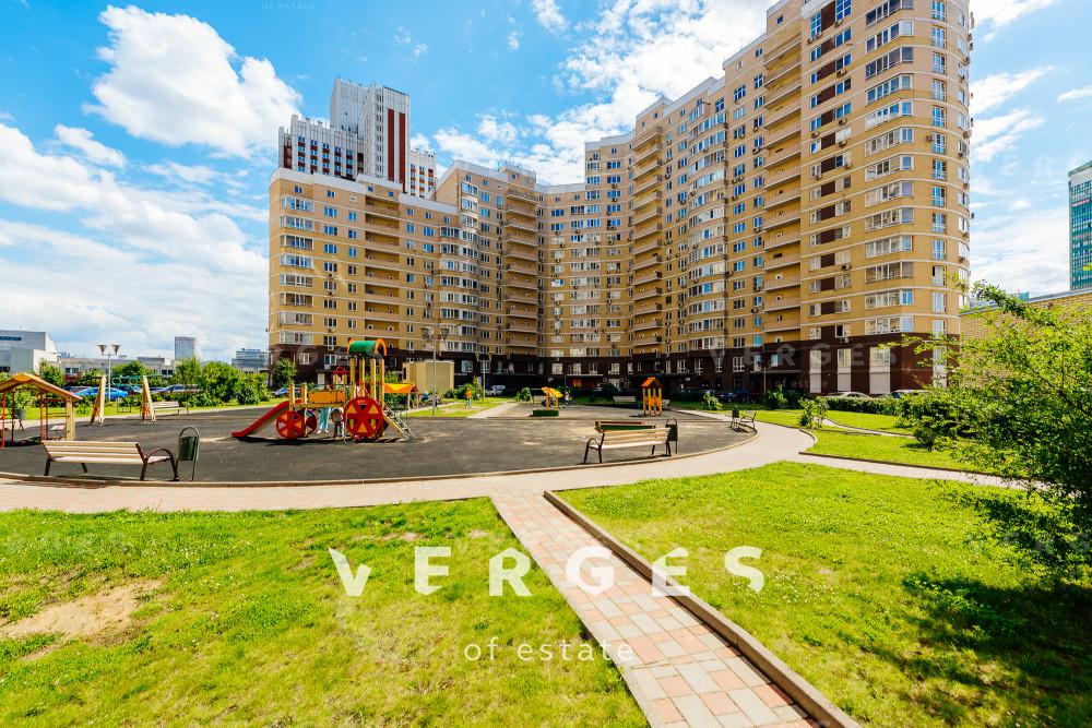Гараж на продажу по адресу Россия, Московская область, Москва, улица Покрышкина, д.8, к.